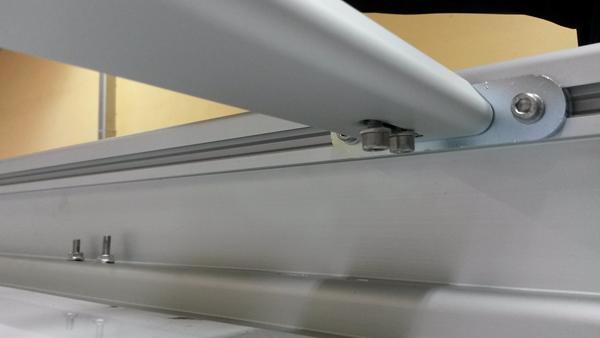 Detail der Dachreling mit Querträger