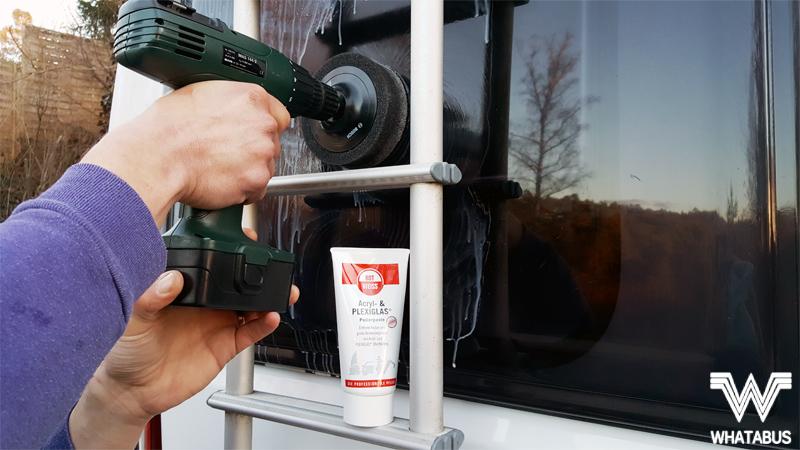 Reinigung und Pflege der Kunststofffenster im Wohnmobil